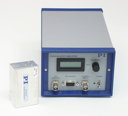 E-650.OE (OEM module, left) and E-650.00 (benchtop device, right)